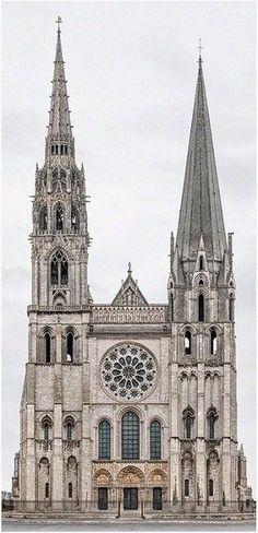Catedral Notre Dame de Chartres, Francia by Markus Brunetti Sacred Architecture, Romanesque Architecture, Cathedral Architecture, Religious Architecture, Historical Architecture, Architecture Classique, Classic Architecture, Amazing Architecture, Architecture Definition