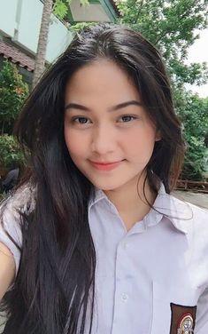 Girl in Uniform 😘 Beautiful Hijab, Beautiful Asian Girls, University Girl, Filipina Beauty, Cute Girl Face, Ulzzang Korean Girl, Indonesian Girls, Poker Online, Jennie Blackpink