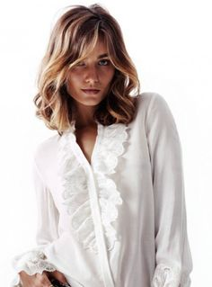 dream hair. soft waves. shoulder length. light brown and blonde.