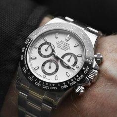The New 2016 Rolex Oyster Perpetual Cosmograph Daytona ❤️⌚️❤️ #beautifulmenswatches #rolex #daytona #oyster #rolexero #womw #wristshot #wristporn #watchporn #watchcollecting #watches #wristcheck #watchcollectinglifestyle #instawatch #horology #wis #wus #dailywatch #watchesofinstagram #wruw #watchnerd #watchfam #affordablewatches #audemarspiguet #hublot #cartier #iwc #bomberg #squadgoals @watchfinderofficial