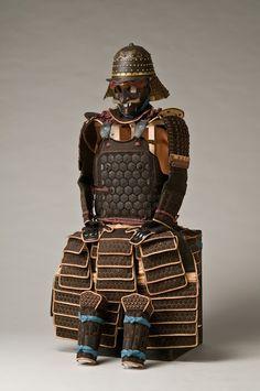 Tatami armour having hexagonal plates with a cherry-blossom pattern, Edo period 17th century. This Tosei Gusoku was worn by Tachibana Akitora. -Tachibana Museum-