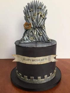 Game of Thrones birthday party cake by Sweet Owl Custom Cakes Game Of Thrones Birthday Cake, Game Of Thrones Cake, 26 Birthday Cake, Cakes Originales, Game Of Trone, Cupcake Cakes, Cupcakes, Cake Templates, Cake Games