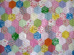 love the hexies & the quilting lines