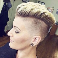 Undercut Hairstyles Women, Short Hair Undercut, Pixie Hairstyles, Trendy Hairstyles, Girls Short Haircuts, Short Hairstyles For Women, Pompadour Style, Shaved Hair Cuts, Short Hair Cuts For Women