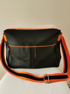 Besace Zip-Zip en noir et orange cousue par Lucile - Patron Sacôtin