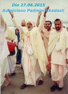 """""""Para nós destituídos, almas condicionadas, Krsna pessoalmente tornou-se Ekadasi. Ekadasi não leva em consideração nenhum tipo de casta ou credo. Por exemplo, não significa que Ekadasi dará o seu f..."""