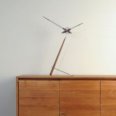 Puntero Table Clock by Nomon - Innerspace - 1