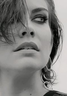 Lauren Cohan- I know I already pinned this but those eyes though, they're amazing