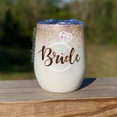 Bride glitter wine tumbler / gold and white ombre glitter tumbler / engagement / bride YETI / white Glitter Water Bottles, Glitter Wine, Glitter Cups, White Glitter, Wedding Cups, Gifts For Wedding Party, Wedding Ideas, Bridal Gifts, Wedding Stuff