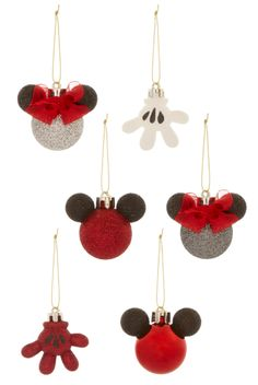 You'll instantly feel festive with these Primark Christmas baubles. The cold winter is drawing nearer and nearer; Disney Christmas Tree Decorations, Disney Christmas Crafts, Mickey Mouse Christmas Tree, Disney Crafts, Ornament Crafts, Christmas Baubles, Christmas Tree Ornaments, Disney Diy, Scrapbook Disney