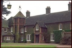 Houses of State: Anmer Hall, Sandringham Estate, Norfolk - Country home of the Duke and Duchess of Cambridge and their son Prince George English Royal Family, English Manor, Cambridge House, Duchess Of Cambridge, Norfolk House, Anmer Hall, Hall House, Royal Residence, Georgian Homes