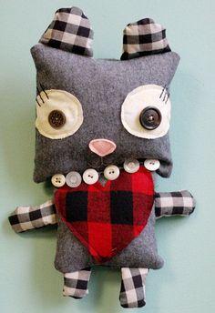 Adorable muñeco de tela reciclada - Las Manualidades