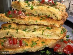 Placintele cu Ceapa si Mujdei My Favorite Food, Favorite Recipes, Sandwiches, Deserts, Good Food, Pizza, Cooking Recipes, Breakfast, Ethnic Recipes