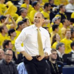 Like this photo if you think Jon Beilein and the Wolverines will make a strong run in the NCAA Tournament! Second round game against Wofford tomorrow at 7:10 PM Eastern in Milwaukee!
