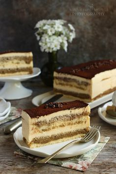 Az egyik kedvenc süteményem. Mert nem túl édes és krémes és van benne kávé is. :) Életemben először akkor ettem igazi tiramisu... Hungarian Desserts, Hungarian Recipes, Tart Recipes, Cookie Recipes, Fun Desserts, Dessert Recipes, Torte Cake, Cakes And More, Cake Cookies