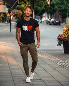 Men's Street Style 12 + Best Men Street Style - Fashion Looks 2019 Mode Masculine, Stylish Men, Men Casual, Dope Fashion, Style Fashion, Fashion Men, Fashion Styles, Sporty Fashion, Men's Casual Fashion