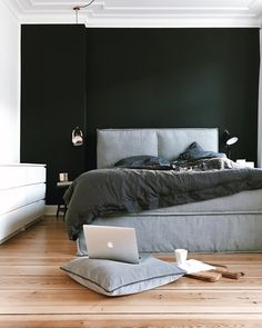 For a luxurious chic, home accessories in fine black . For a luxurious chic home accessories in fine black provide . Modern Master Bedroom, Modern Bedroom Decor, Home Bedroom, Bedroom Furniture, Night Bedroom, Cama Box, Black Bed Linen, Home Trends, Black Walls