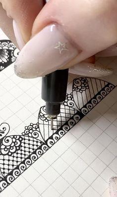 Mandala Doodle, Mandala Art Lesson, Mandala Artwork, Mandala Drawing, Zentangle Drawings, Zentangle Patterns, Mandala Pattern, Pattern Art, Zentangles