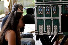 """Das antigas caixas de fotografia, o teatro lambe-lambe é uma das várias manifestações do teatro de animação contemporâneo. Em comemoração ao aniversário de 24 anos de sua criação, no dia 30 de setembro, o 1º Festejo Mundial em Rede realiza apresentações em vários estados brasileiros e em cinco países diferentes. São Paulo faz parte da...<br /><a class=""""more-link"""" href=""""https://catracalivre.com.br/sp/agenda/gratis/festival-internacional-comemora-24-anos-do-teatro-lambe-lambe/"""">Continue lendo…"""