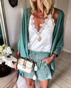 Pin on Cute summer outfits Casual Summer Outfits, Stylish Outfits, Spring Outfits, Fashion Outfits, Womens Fashion, My Fashion, Fashion Online, Beach Outfits, Fashion Trends