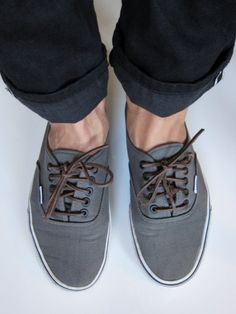 Grey Vans with Brown Shoe Laces great color combo Chanel, Me Too Shoes, Men's Shoes, Gray Shoes, Skate Shoes, Auto Girls, Grey Vans, Sharp Dressed Man, Well Dressed