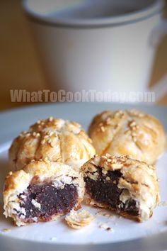 red bean paste pastry / tau sa piah. Stuffed with red azuki bean paste. So flaky and yummy!
