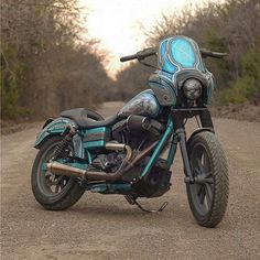 @thefastlifegarage #rideyourownride #harley #harleydavidson #harleydavidsonmotorcycles #harleysofinstagram #dyna #clubstyle #clubstyledyna #fxr #fxd #fxdx #fxdxt #loud #loudpipes #loudpipessavelives #rollyourown #rideordie #bikeporn #motorcycle #motorcyclesofinstagram #summer #goals #summertime #custom #twowheelsforever