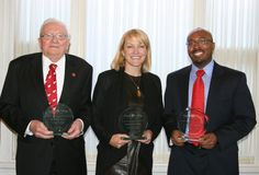 Alex Wallace receives UGA Alumni Honor for Grady College May 2012