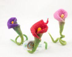 Faux Arum callas flowers-Felted Flower-Artificial flower-25 cm