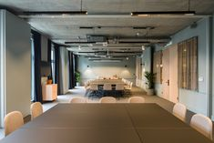 SODA has completed work on the latest offering from The Office Group: Thomas House in Victoria, London. This new co-working and office building. Simple Interior, Cafe Interior, Office Interior Design, Interior Decorating, Corporate Interiors, Office Interiors, Design Interiors, House Interiors, Workspace Design