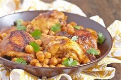 Ρεβίθια με κοτόπουλο και κρέμα βαλσάμικου ρόδι Meat, Chicken, Food, Essen, Meals, Yemek, Eten, Cubs