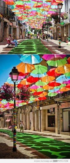 Umbrella street, Portugal