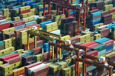 Hong Kong freight harbour.   Flickr - Photo Sharing!