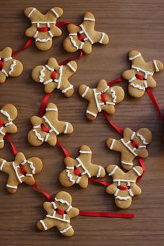 beaconblankes:  How to make gingerbread men garland{click link for FULL tutorial}
