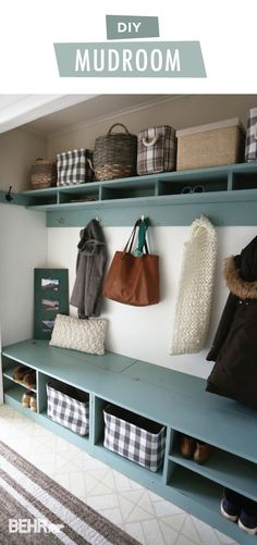 This DIY mudroom fro