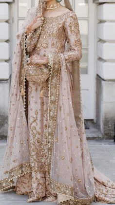 Bunto or dr haroon. Asian Bridal Dresses, Asian Wedding Dress, Pakistani Wedding Outfits, Indian Bridal Outfits, Pakistani Bridal Dresses, Pakistani Wedding Dresses, Pakistani Dress Design, Indian Dresses, Pakistani Gharara