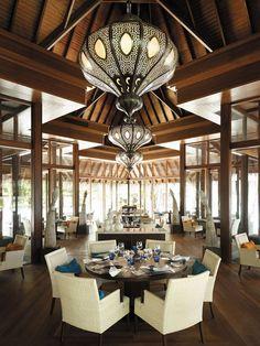 Javvu Restaurant @ Shangri-La's Villingili Resort & Spa, Addu Atoll, Maldives Design Hotel, Restaurant Design, Restaurant Bar, Shangri La, Pool Bar, Hotel Boutique, Spa Hotel, Maldives, Outdoor Restaurant