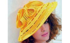 Желтая шляпа от Людмилы Орешкиной