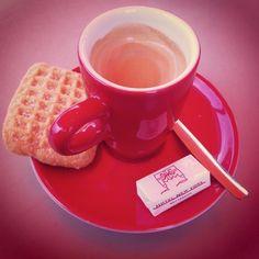 Hotel New York #Rotterdam #coffee Photo: @meanttobean