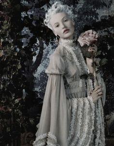 """Retrato de una dama"" Mona Johannesson photographed by Juan Gotti for Vogue Spain October 2006"