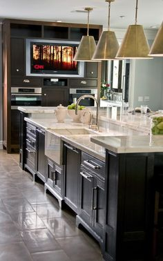 beautiful island, and media center in kitchen. wonderful place to cook.