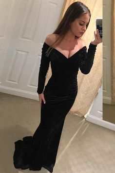 Pretty Black Sheath Long Sleeves Backless Modest Velvet Prom Dresses Z1655