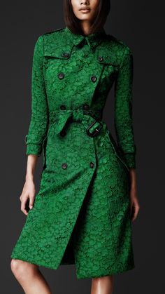 Burberry Prorsum Kickback Lace Trench Coat in Green (kelly green) | Lyst