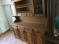 Credenza rustica in legno,  misure 200x195x48 cm circa. € 150 così com'è  € 250 riverniciata  Disponibili anche tavolo e portatelevisione angolare dello stesso soggiorno,  a parte