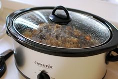 Looking for the best and easiest guide to clean your slow cooker? Have a look a at our expert recommended guide on How to Clean Slow Cooker. Crock Pot Recipes, Recetas Crock Pot, Best Crockpot Recipes, Slow Cooker Recipes, Slow Cooking, Sauce Au Miel, Beste Burger, Eat Smarter, Pot Roast