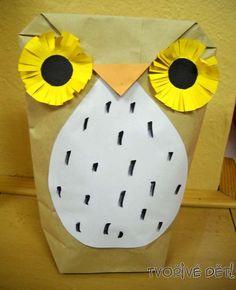 Tvoření z papíru - Sova z papírového sáčku. Potřebujeme: Papírový sáček, lepidlo, nůžky, barevný papír, fixy a noviny (na vyplnění sovy = lépe pak stojí); Postup: Papírový sáček naplníme novinami a konec pytlíku přehneme rožky k sobě (viz. fotka č. 2). Přeložíme (viz. fotka č. 3) a přilepíme. Z barevného papíru si vystřihneme doplňky - očička (větší kolečka, která pak nastříháme po kraji + menší kolečka dolepíme na ně), zobáček, bříško. Nalepíme na sáček a nakonec pomalujeme bříško fixou.