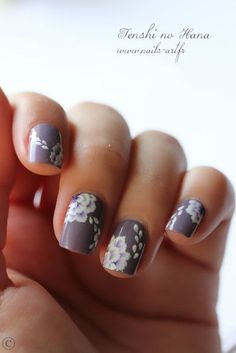 18 Vintage Floral Nail Designs You Will Love - crazyforus Get Nails, Fancy Nails, Bridal Nails, Wedding Nails, Manicure Gel, Uñas Fashion, Nail Lacquer, Floral Nail Art, Pretty Nail Art