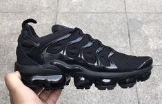 ae09fbe392 11 best NIKE VAPORMAX PLUS images | Nike air vapormax, Triple black ...