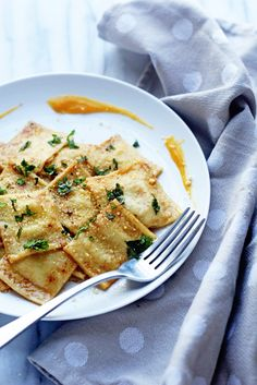Luscious and decadent Butternut Squash Ravioli in a Brown Butter Sauce made perfectly simple with KitchenAid's pasta attachments! Savoury Dishes, Tasty Dishes, Butternut Squash Ravioli Sauce, Pasta Recipes, Cooking Recipes, Pasta Meals, Noodle Recipes, Vegetarian Recipes, Fall Recipes
