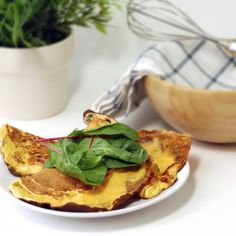 Pancakes with Cheddar cheese - Sukrin Italia Tasty Pancakes, Eat Smart, Almond Flour, Cheddar Cheese, Cottage Cheese, Health And Wellness, Nutrition, Meals, Baking